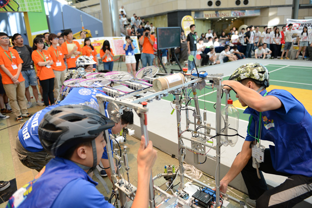 IVE Students receive honours at Robocon 2015 Hong Kong