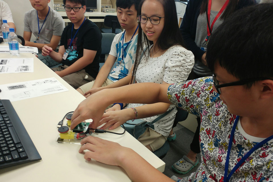 Exploring Engineering Summer Camp 2016