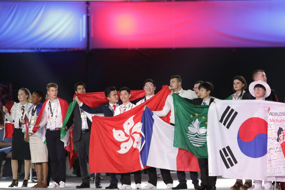 Student Achievement IVE Engineering Discipline graduates shine at 44th WorldSkills Competition 2017 (Oct 2017)